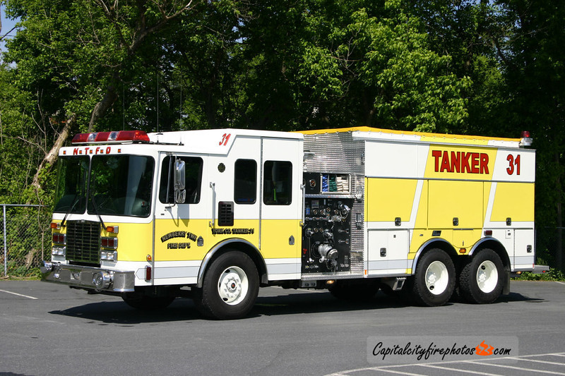 Newberry Twp Tanker 31: 2004 HME/New Lexington 1250/2500