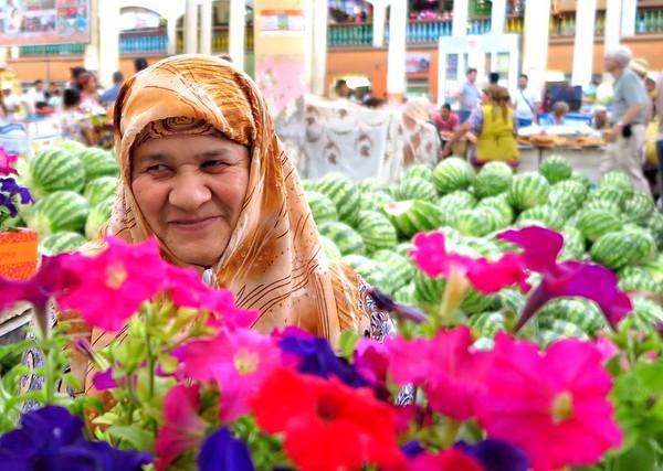 Woman in Khodzent - Serguei Oushakine