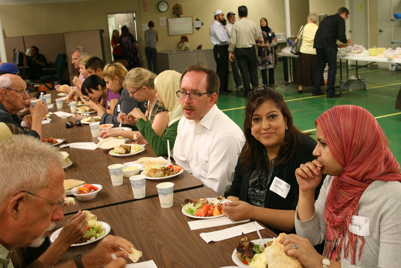 abrahamic-alliance-international-common-word-community-service-phoenix-2011-09-11_19-15-59.jpg