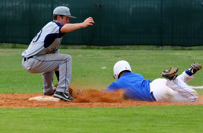 \\hcadmin\d$\Faculty\Home\slyons\HC Photo Folders\HC Baseball vs Ehret_2_4_12\SEL 173.JPG