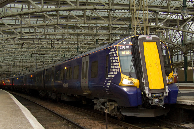 380109 at the head of service 2Z03 waiting to depart from P14 at Glasgow Central