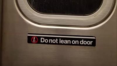 Do not lean....