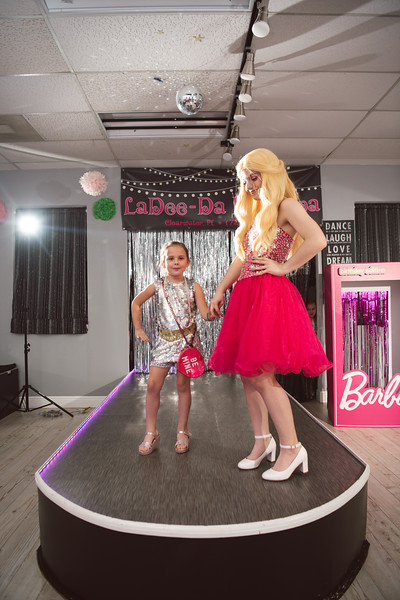 2020-0104-delaney-barbie-party-87.jpg