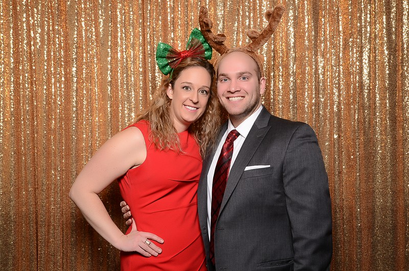 20161216_MOPOSO_Tacoma_Photobooth_MossAdamsHoliday16-64.jpg