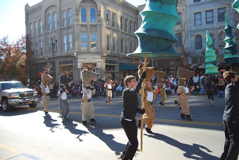Parade 1270.jpg