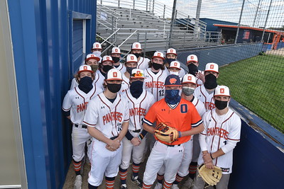 Oswego Varsity Baseball Senior Pictures 2021