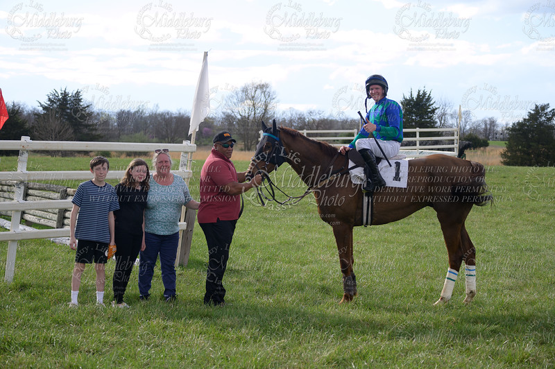 8th Race-Open Timber