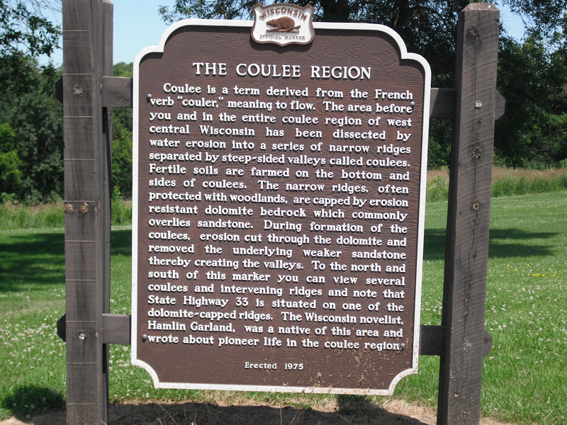 2009-07-11 Marker at layby near Middle Ridge WI.JPG
