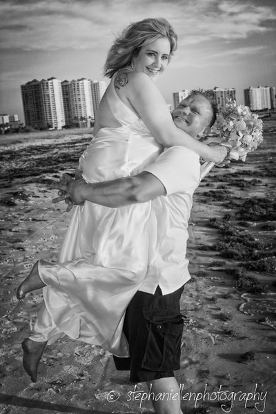 20140819beachwedding_clearwater_Tampa_Stephaniellenphotography.com-_MG_0163-Editbw.jpg