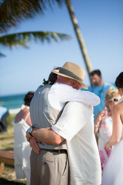 gillin beach kauai wedding-118.jpg