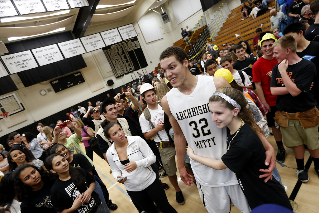 . Archbishop Mitty\'s Aaron Gordon (32) poses with his fans after the 58-54 win against Modesto  at NorCal Boys Open Division semi-finals Varsity Boy\'s Basketball game at Archbishop Mitty High School in San Jose,  Calif., on Tuesday, March 12, 2013.  (Josie Lepe/Staff)