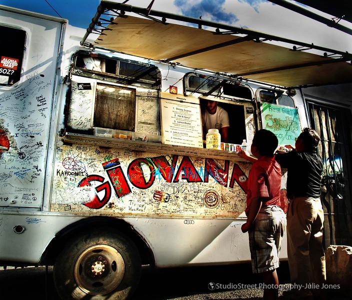 giovannis shrimp truck2.jpg