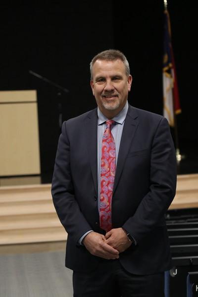 Dr. Larry Putnam