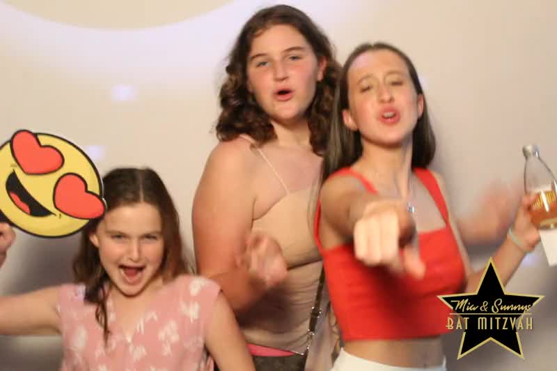 181118 Mia and Sunnys Bat Mitzvah 0130.MP4