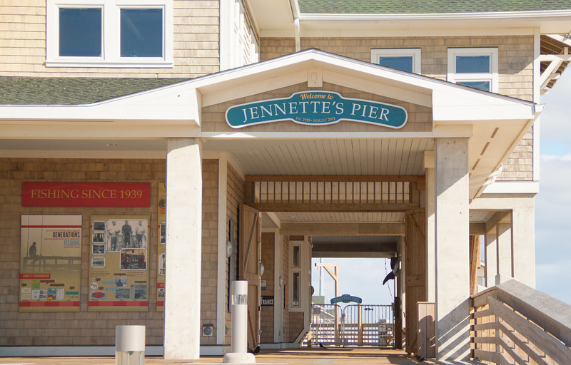 Jennettes-Pier-Sign