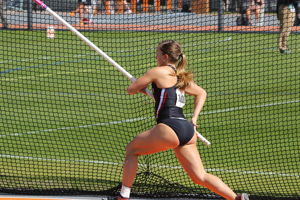 2018 Tennessee Relays:  Women's Pole Vault