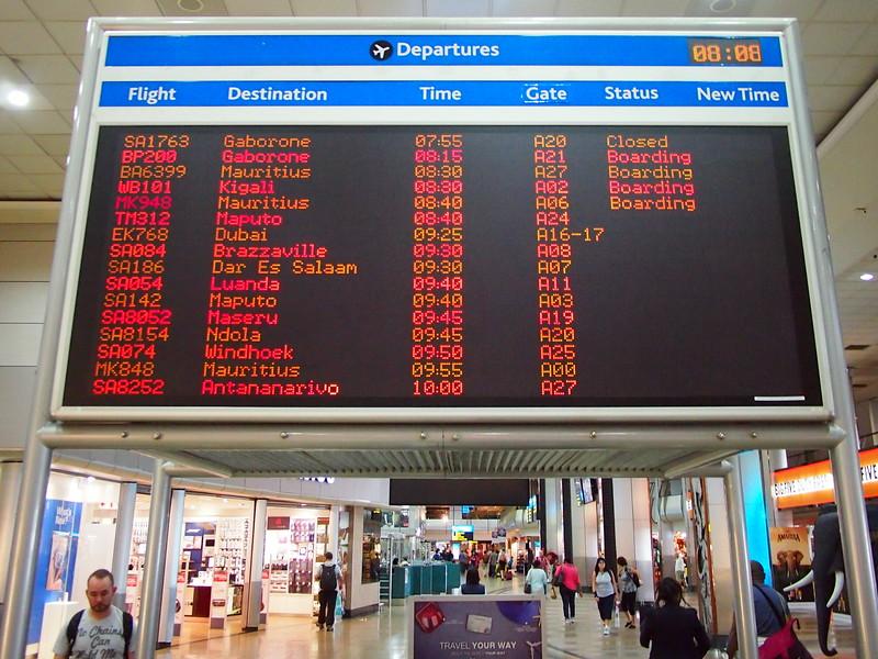 P3210074-departure-board.JPG