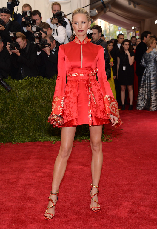 """. Karolina Kurkova arrives at The Metropolitan Museum of Art\'s Costume Institute benefit gala celebrating \""""China: Through the Looking Glass\"""" on Monday, May 4, 2015, in New York. (Photo by Evan Agostini/Invision/AP)"""