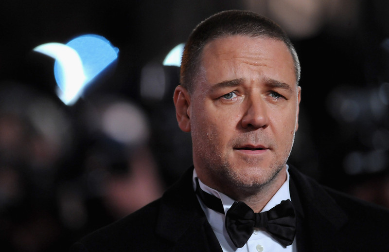 """. Actor Russell Crowe attends the \""""Les Miserables\"""" World Premiere at the Odeon Leicester Square on December 5, 2012 in London, England.  (Photo by Stuart Wilson/Getty Images)"""