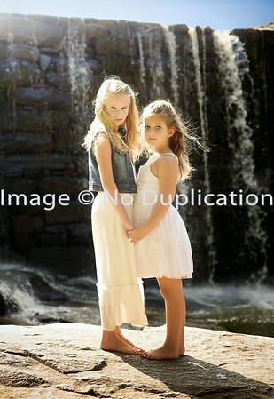 Ava & Taylor