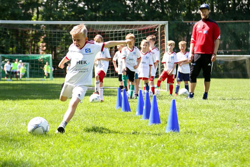 hsv_fussballschule-405_48048036352_o.jpg