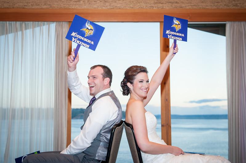 edgewater-hotel-spring-wedding-waterfront-downtown-seattle-wedding-carol-harrold-photography-15.jpg
