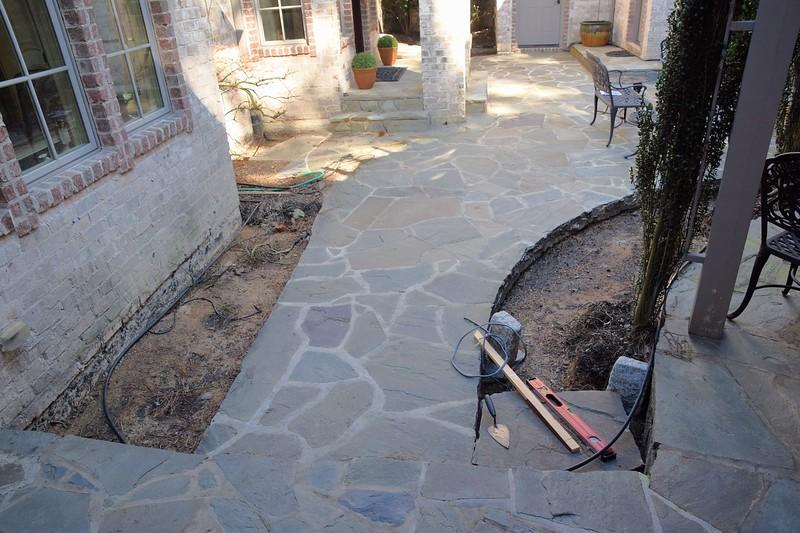 courtyard_makeover05.jpg