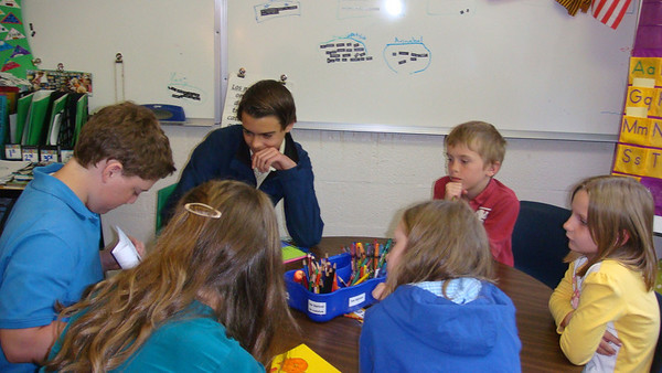 Spanish II Honors Students visit 3rd Graders