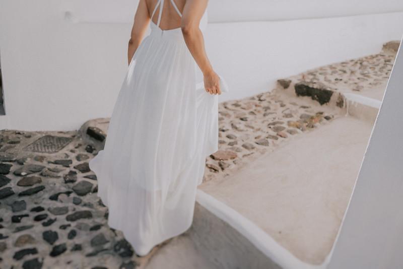 Tu-Nguyen-Destination-Wedding-Photographer-Santorini-Elopement-Alex-Diana-21.jpg