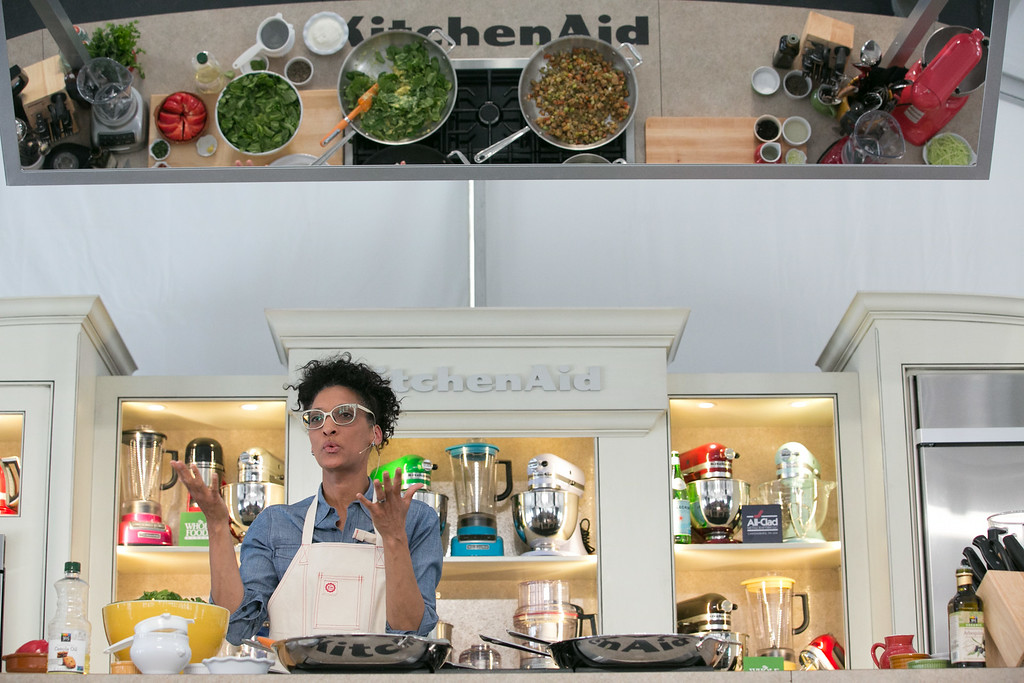 """. Carla Hall of \""""The Chew\"""" presents her global vegetarian recipes in Aspen.(Provided by Galdones Photography/FOOD & WINE)"""