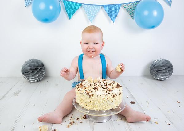 Matthew cake smash