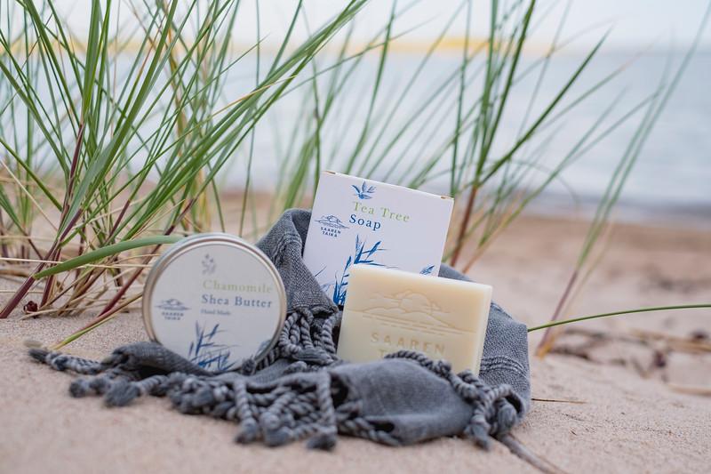 Saaren Taika teepuusaippua tea tree soap Veera suolasaippua salt soap (13 of 33).jpg
