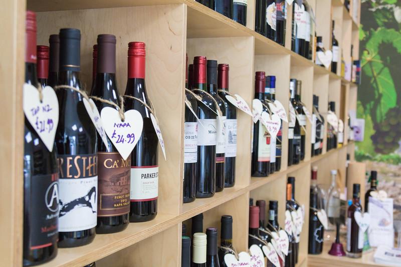 love-wine-shop-8603_27251993206_o.jpg