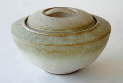"tureen - electric fired, cone 6, size: 6"" x 11"" x 11"""