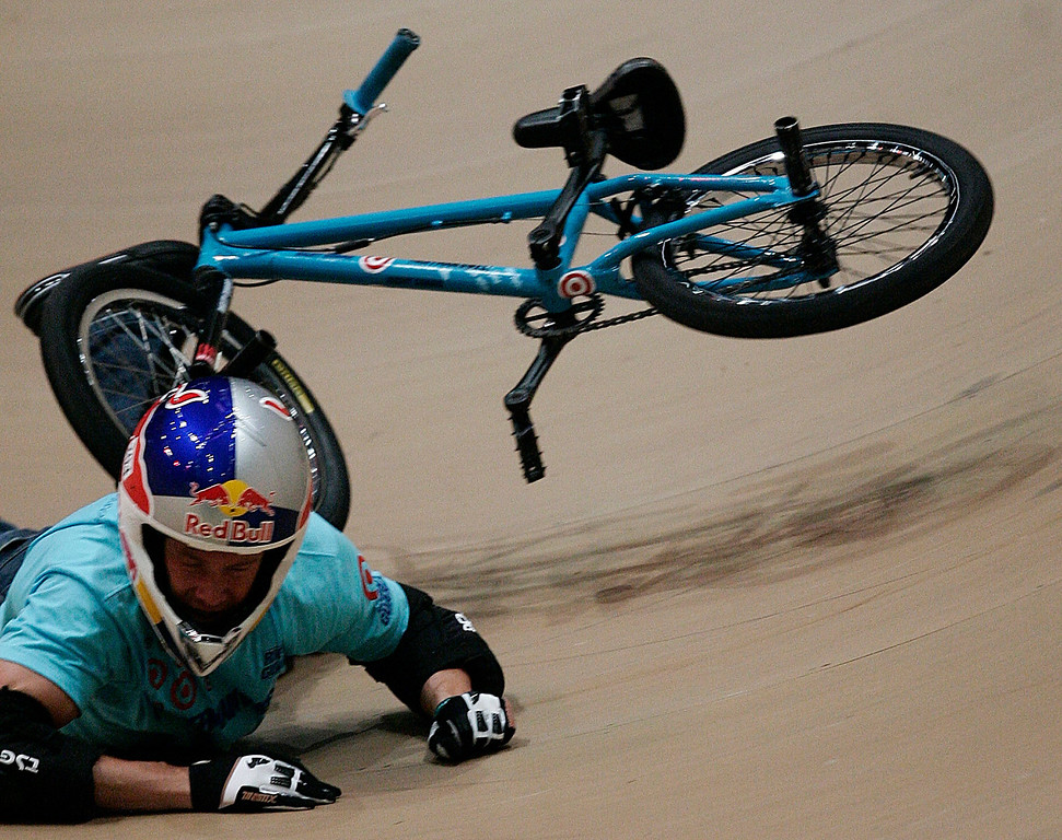 . Kevin Robinson crashes in the BMX Vert Freestyle Best Trick Final during the X Games Twelve at the Staples Center August 4. 2006.  (SGVNStaff Photo Keith Birmingham/SXSports)