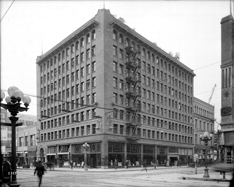 The exterior view of the Hayward Hotel, on the corner of Spring Street and Sixth Street, ca.1910