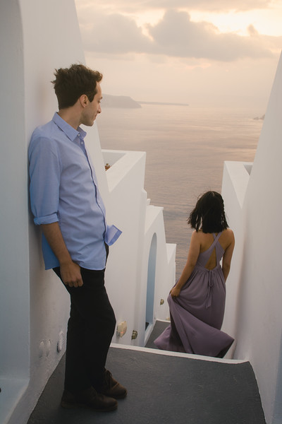 Santorini-photo-session-greece-engagement-shoot-love-story-005.jpg