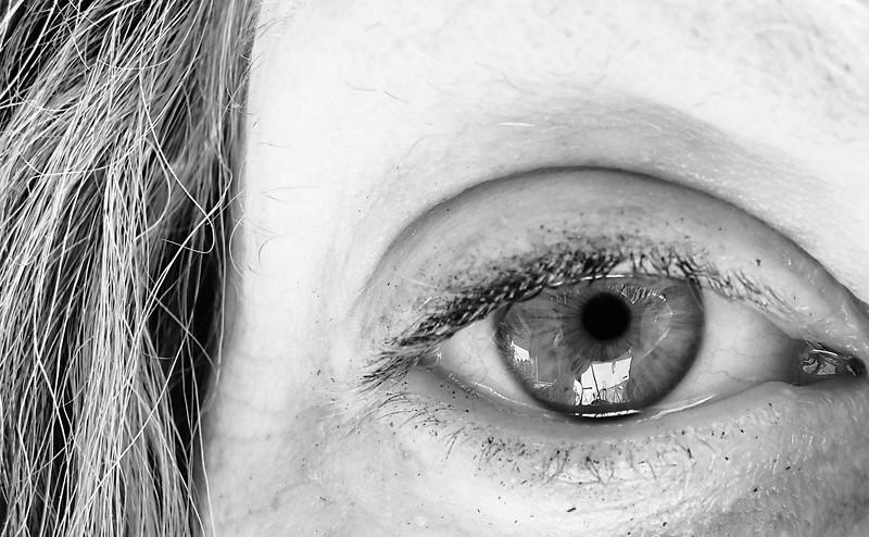 eye-bw-052007a.jpg