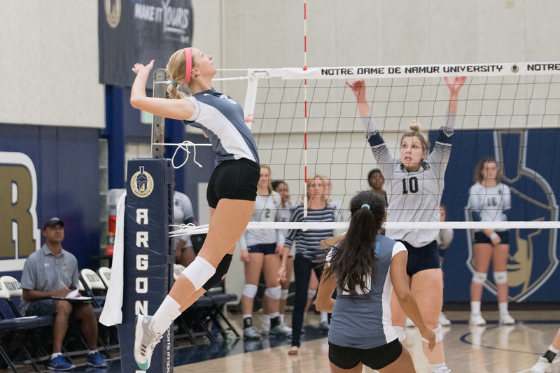 HPU Volleyball-91998.jpg