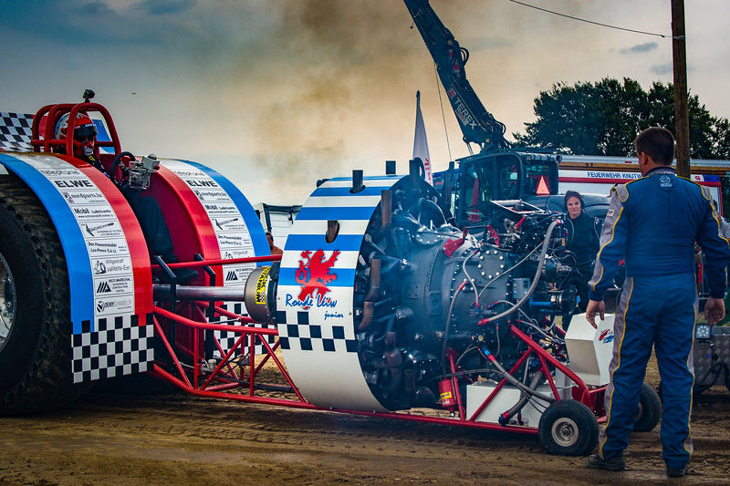Tractor Pulling 2015-02412.jpg