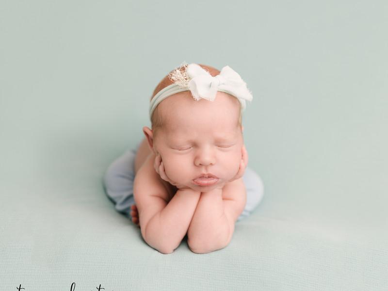 Autumn-Newborn-Low-Resolution370A0137-Edit.jpg