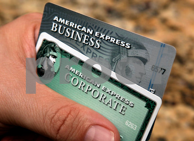 trouble-at-amex-some-cardholders-leave-home-without-it
