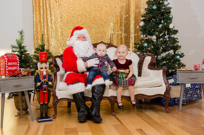 FADS Picture with Santa-220.jpg