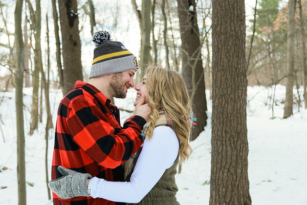 Stacia & Greg's Wintery Engagement Session