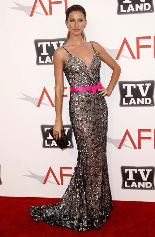 ". Gisele Bundchen arrives at the taping of \""TV Land Presents: AFI Life Achievement Award Honoring Morgan Freeman\"" in Culver City, Calif., Thursday, June , 2011.  (AP Photo/Matt Sayles)"
