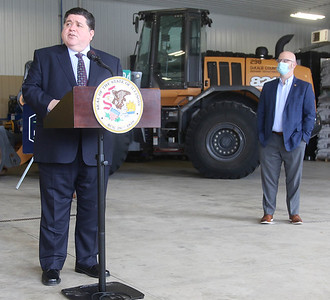 031121 Governor Pritzker visits Waterman