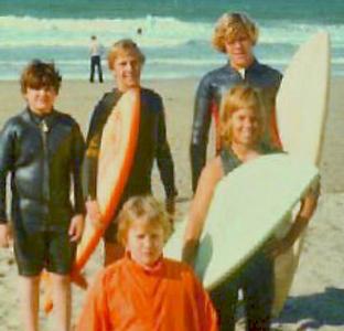 1974, early. David Alvin, Billy & Mike. Front;  JB Skinner, Derek Roysden, SoCal beach.jpg
