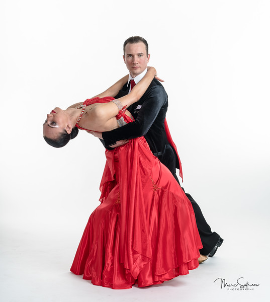 Daria and Dmitri Karabanov - Ballroom dance performers