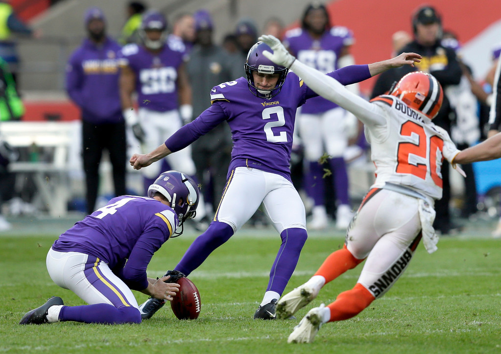 . Minnesota Vikings place kicker Kai Forbath (2) makes a 43-yard field goal during the second half of an NFL football game against Cleveland Browns at Twickenham Stadium in London, Sunday Oct. 29, 2017. (AP Photo/Tim Ireland)