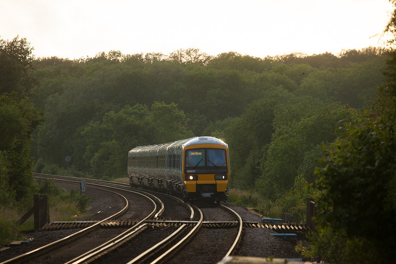 Southeastern Trains 466 037 in Hollingbourne, Kent.